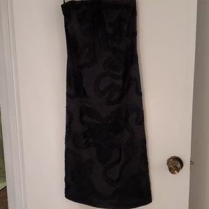 Laundry by shelli Segal black embroidcocktail dres